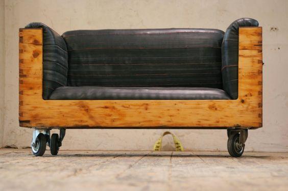 Ma maison au naturel: Upcycling : un vieux coffre transformé en divan