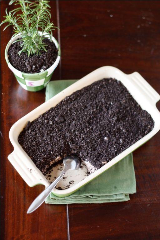dirt cake.