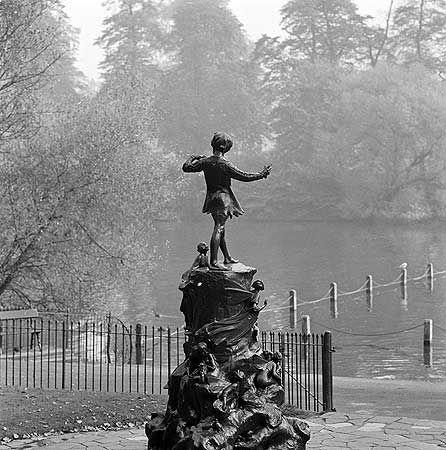 Hyde Park, Kensington Gardens, Peter Pan Statue, Kensington Gardens, Paddington Bayswater And Knightsbridge, Greater London