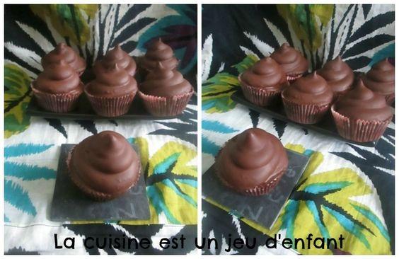 Salam alaykoum / Bonjour , Cela faisais un moment que ma mère avait envie de gouter aux &hit hat cupcakes& de martha stewart (j'ai aussi vu le nom &hi hat cupcakes& mais je préfère le premier ^^), voila qui est fait et ils était délicieux , un peu &bourratif&...