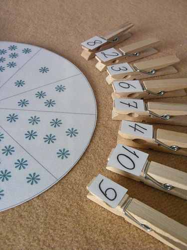 A beautiful set for practicing number recognition. The post is in German, but it's relatively easy to see where the download link is!