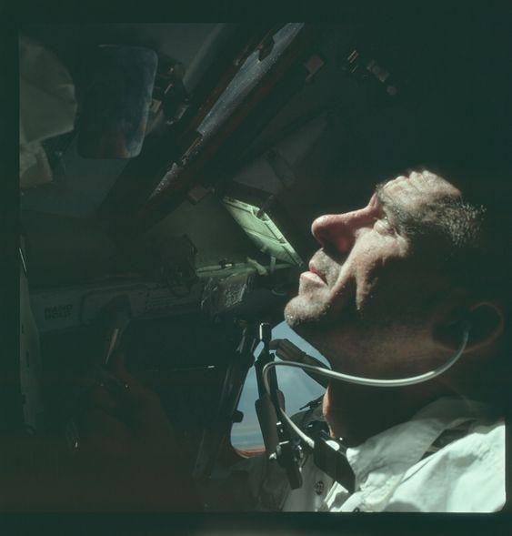 Apollo 7 Hasselblad image from film magazine 4/N - Earth Orbit  アポロ計画の写真