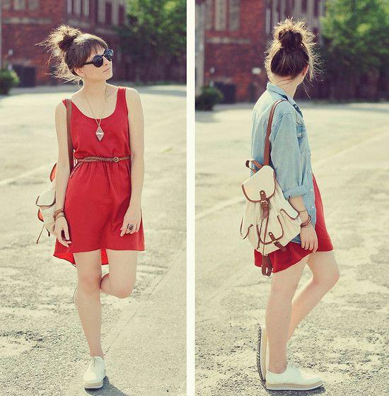 Gostei do vestido vermelho larguinho, cinto marcado na cintura, tênis branco e cordãozinho.: