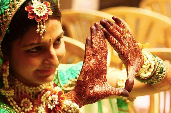 Mehndi Fresh Flowers : Best designs of fresh flower jewellery for mehndi function