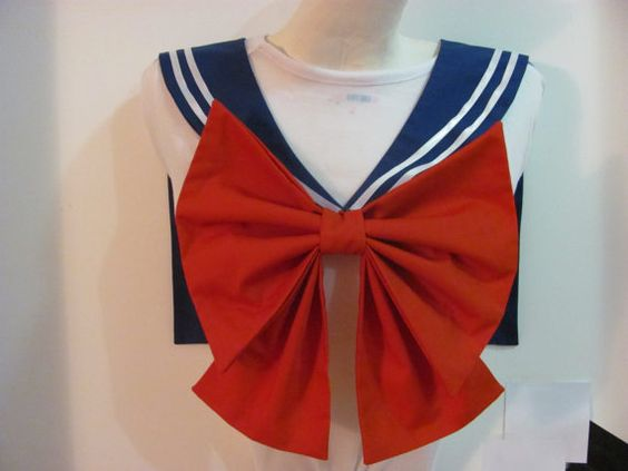 **** This listing is for the collar and bow for Sailor Moon. If you would like an additional bow for the back, please let me know and I will