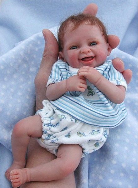 Little Loves (Boy) received a 2007 DOTY Industry Choice nomination at IDEX. Marita has created a sweet little newborn boy and a little sister in pink