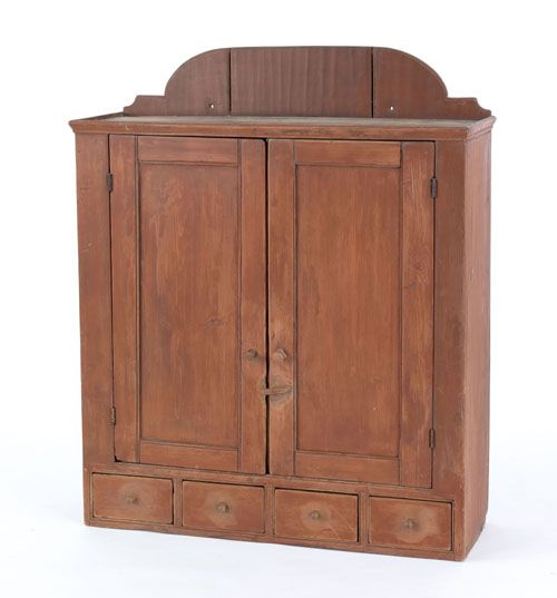 Would be great as a kitchen cupboard. Drawers for forks ,knives and spoons.