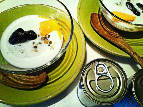 ココナッツミルク缶でベトナム風のデザート。マンゴー、タピオカ、緑豆と紫花豆の水飴煮。 - 50件のもぐもぐ - ココナッツミルクのデザート by 麻紀子