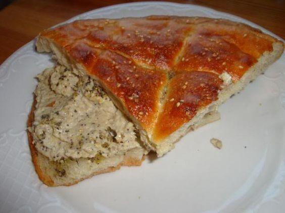 Gourmandises végétariennes: Baba Ghanoush mit geröstetem Fladenbrot (vegan)