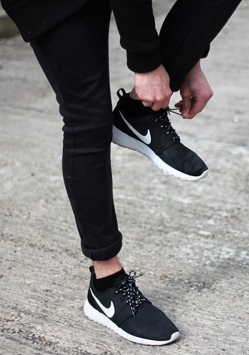 nike roshe run with skinny jeans