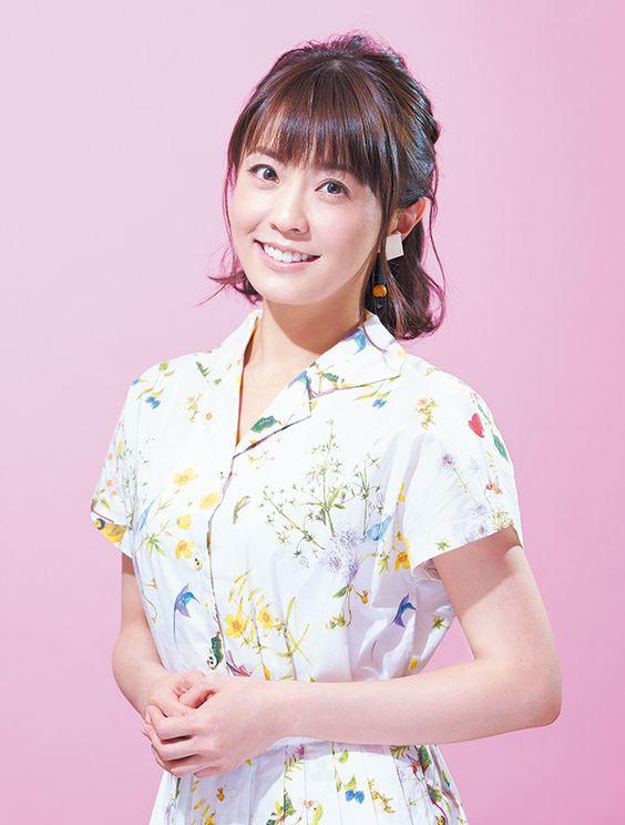 小林麻耶かわいいシャツワンピ姿