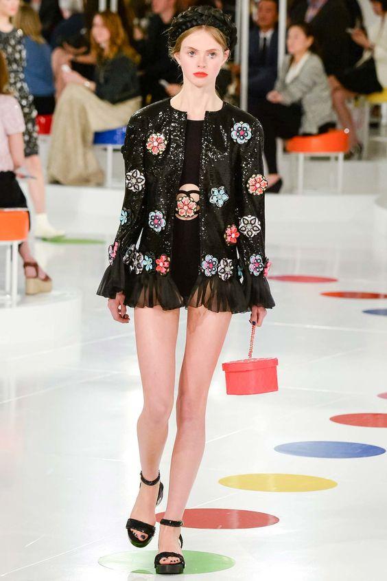 Chanel Resort 2016 Fashion Show - Avery Blanchard