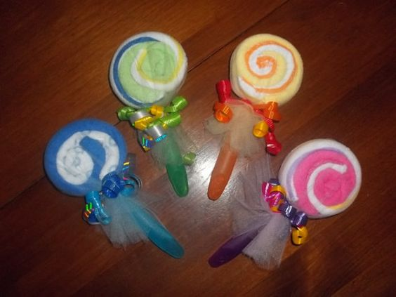 Washcloth Swirl Lollipop, $2.75 (great for baby shower favors/gifts)