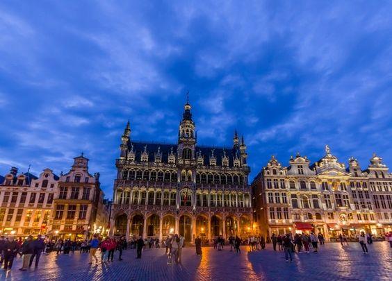 Depuis la Grand-Place de Bruxelles jusqu'aux canaux de Bruges et de Gand, voici une sélection des lieux et des sites à visiter lors de votre prochaine visite. Bienvenue en Belgique !