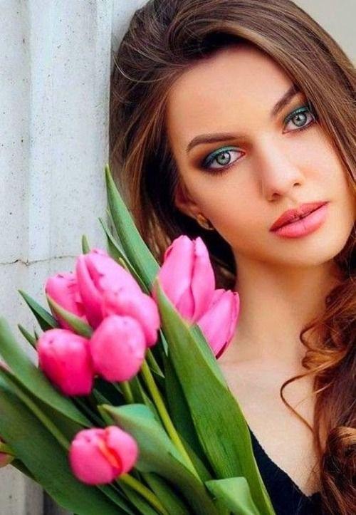 ألبوم صور ملكات جمال الورد والزهور بنات جميلات خلفيات للتصميم 4f68cc14a6418fad70e5b5ae7ad63b46