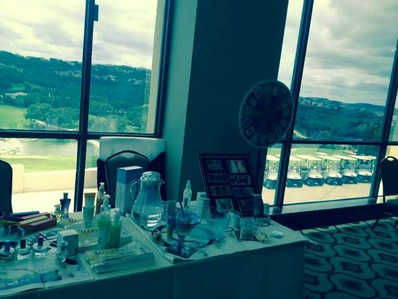 Fab vendor tables at our luncheons!  www.thefabulousworkingladies.com