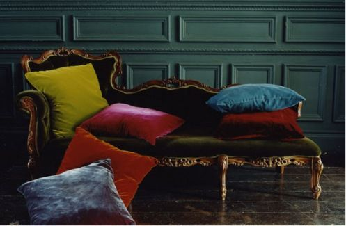 Atelier Abigail Ahern // antique // gold // green // colourful cushions // chaise // fainting couch