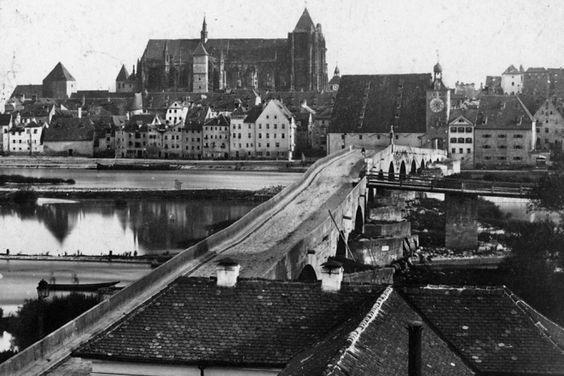 Geschichte Steinere Brücke - Historische Ansicht vor Bau der Straßenbahn (C)Stadt Regensburg: