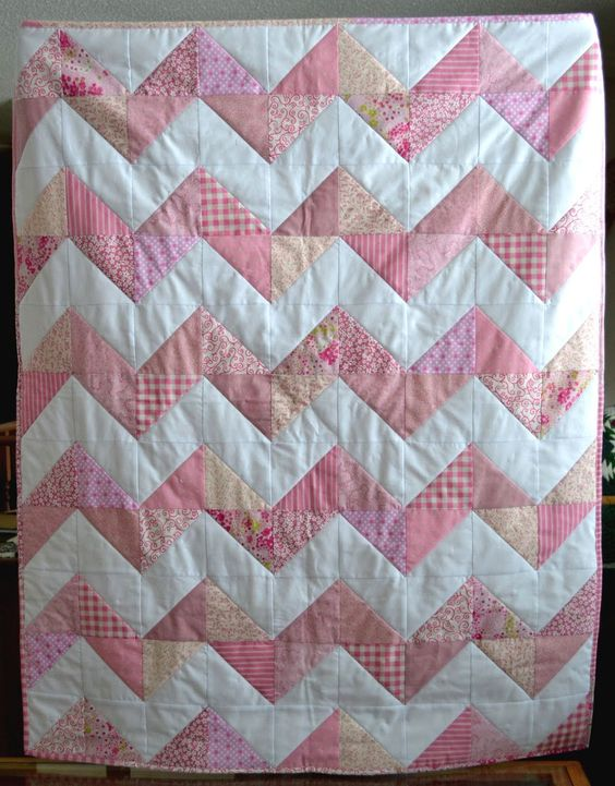 Softie Chevron Minkee Baby Quilt / make in a weekend / pieced / easy / FREE QUILTING pattern / use different colours for the boys:
