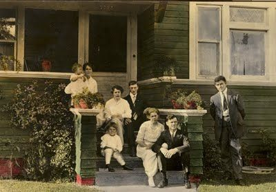 William and Caroline Persson Robinson  and extended family at their Los Angeles home in 1916. Photo contributed by member Lois Elling.