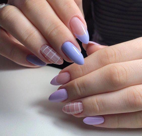 Uñas violetas - Uñas perfectamente en tonos naturales - color #nudenails Uñas perfectas - uñas bonitas - uñas decoradas - uñas postizas- uñas cortas / #uñas #nailart #uñasdecoradas #nailartdesigns #uñasbonitas #nails #nailsspring