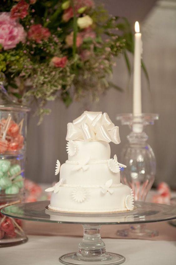 Abbaye des vaux de cernay wedding cakes