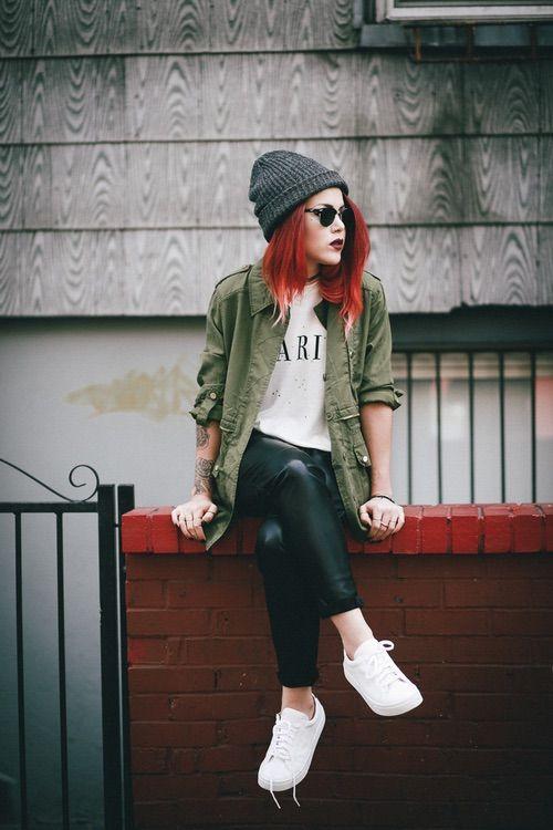 outfits con pantalón de piel negro