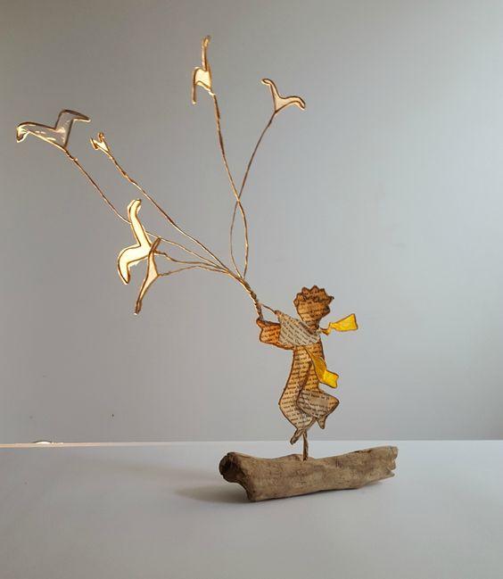 réaliser des oiseaux reliés à des fils de fer -> bouquet d'oiseaux