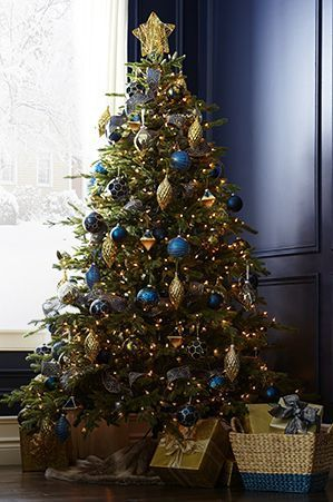 Canvas Pre Lit High Park Pine Tree 7 Ft Canadian Tire Blue Christmas Decor Blue Christmas Tree Christmas Tree Decorations