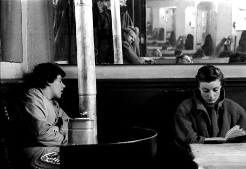 """Ed van der Elsken : Café """"Chez Moineau """", Paris, 1954."""