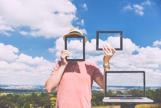 """Von Verblendung zu Erleuchtung  Wir befinden uns in einer Hype-Phase der Digitalisierung, die unsere Sicht trübt. Wie kann der Weg von der Verblendung zur """"Erleuchtung"""" gelingen? Ein Auszug aus der Einleitung zur neuen Studie """"Digitale Erleuchtung"""""""