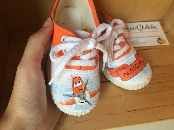 """Zapatillas de lona personalizadas. Pintadas a mano.  De Disney """"Aviones"""".  www.facebook.com/avachilaba"""