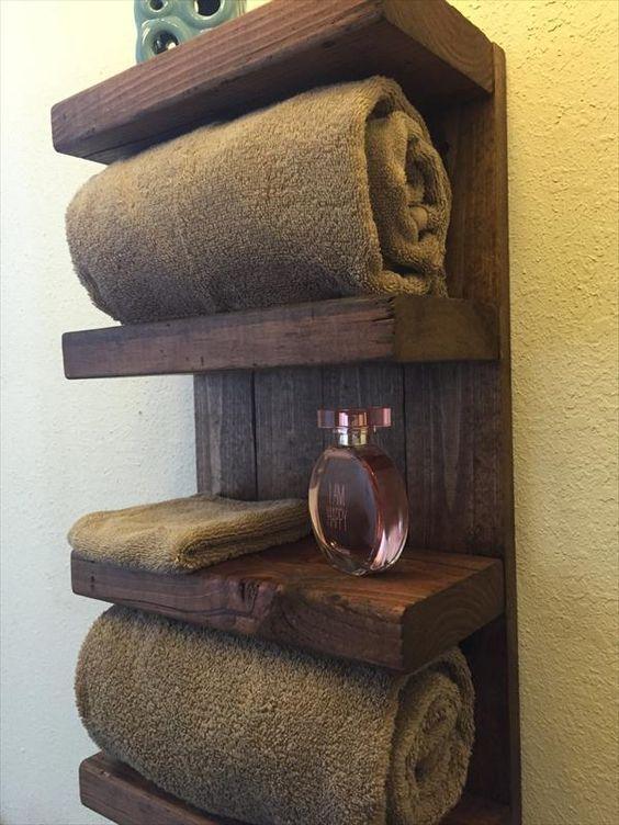 Diy Paletten Und Scheunenholz Badezimmer Regal Badezimmer Paletten Regal Sc Badezimme Diy Pallet Furniture Barn Wood Bathroom Pallet Projects Easy
