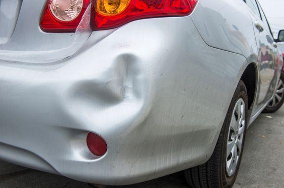 Lorsque survient un accident, les pare-chocs avant ou arrière sont souvent les parties les plus endommagées.