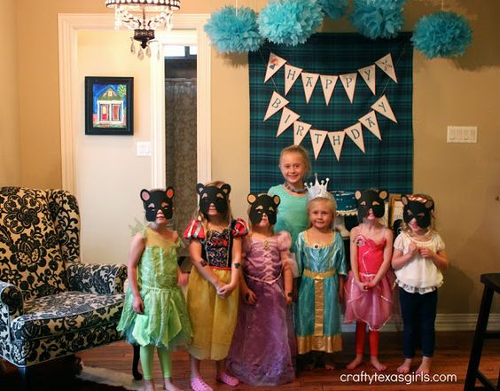 Brave Merida Inspired Birthday Party. Lots of cute party ideas- from the clothespin dolls to the personalized wreath.  Click to see more @ c...