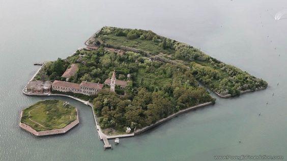 oh j'utiliserais bien cette île pour certains pestiférés hautement  dangereux