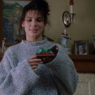 "23 Reasons ""While You Were Sleeping"" Should Be Your Favourite Christmas Movie"