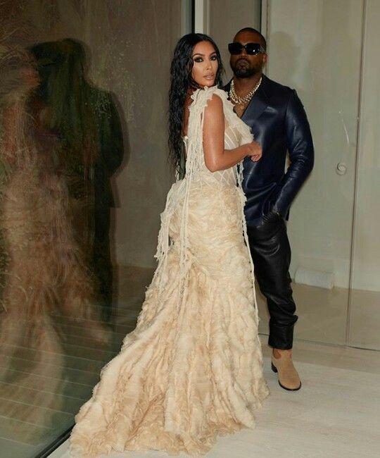 Pin By Sabrinasf On Kardashian S In 2020 Kim Kardashian And Kanye Kim Kardashian Kanye West Celebrity Wedding Dresses