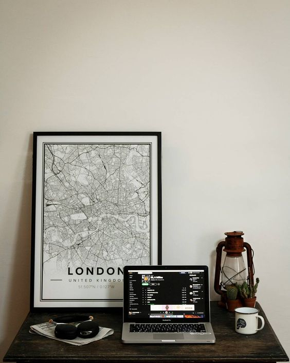 Map poster of London, U.K. Print size 50 x 70 cm. Custom black and white map posters online. Mapiful.com.