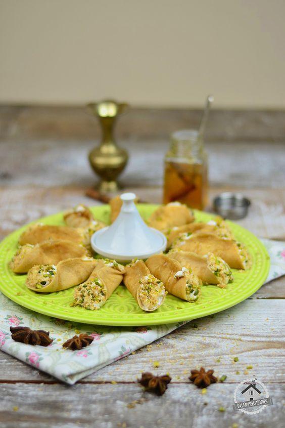 Atayef - Gefüllte Pancakes mit Mandelcreme und Pistazien-Kokos-Knusper   Das Knusperstübchen