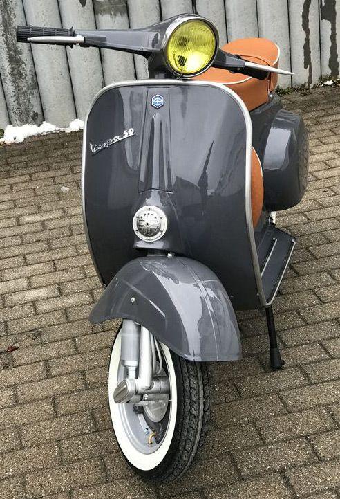 Vespa V50n In Der Lackierung Ral 7015 Schiefergrau Vespa