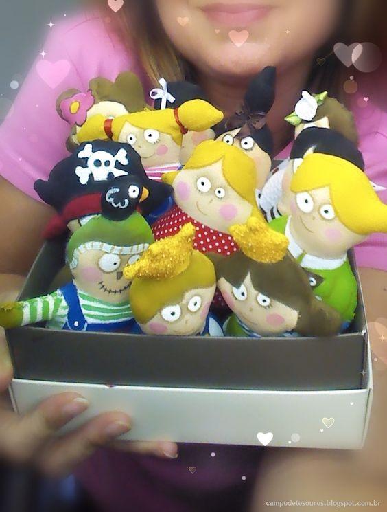 Mini! Mini! Mini! Os pequenos bonequinhos pintados à mão... os queridinhos!