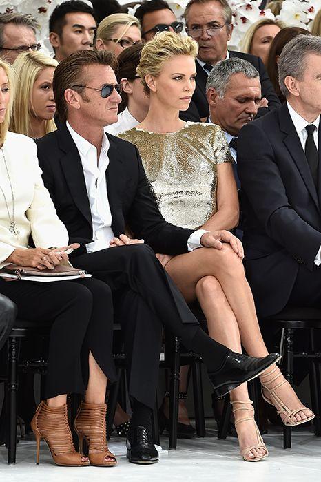 Charlize Theron y Sean Penn dictan cátedra de elegancia en la semana de la moda…