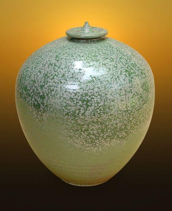 Lynn Morrow Pottery Gallery  NC