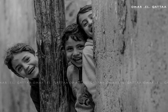Omar El Qattaa Photographer Palestinian Children Laughing While They Re Playing At Al Shate Refugee S Camp West Of Gaza City أطفال فلسطينيون يلعبون ويضحكون ف