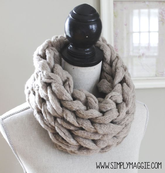 Knitting Scarf Tutorial : How to arm knit an infinity scarf in minutes with