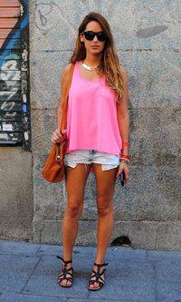 H  Camisetas, Bershka  Pantalones cortos and Bimba & Lola  Bolsos