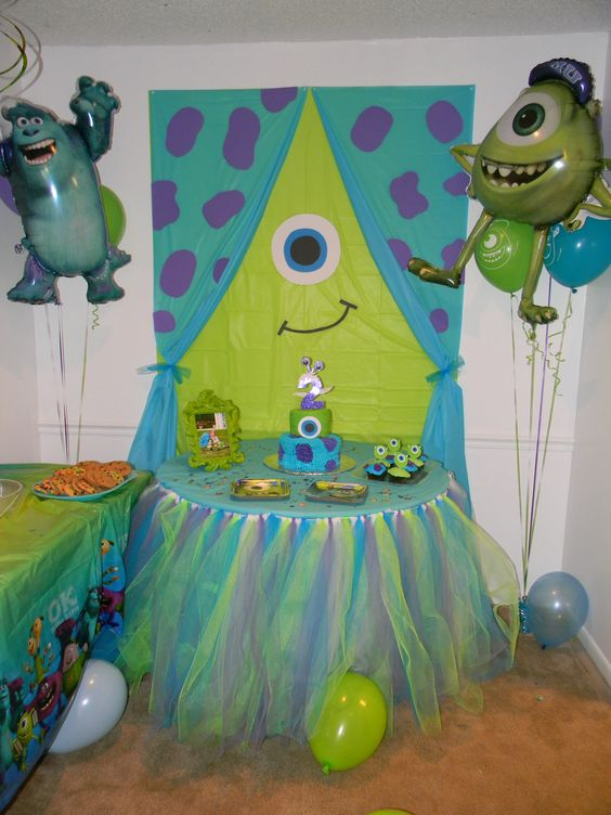 Emma's 2nd Birthday!   (1 lime green tablecloth, 1 blue table cloth, and scrapbook paper for the backdrop)