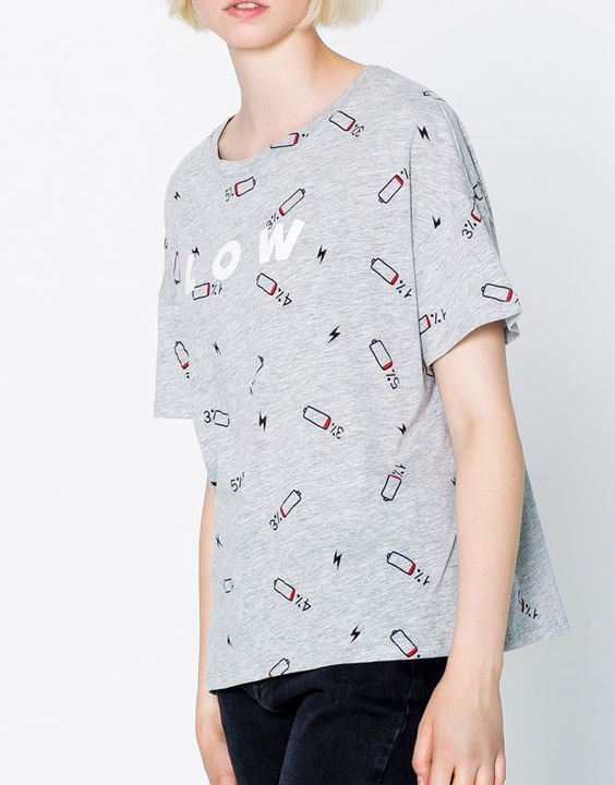 T-shirt estampado texto - T-shirts - Vestuário - Mulher - PULL&BEAR Portugal