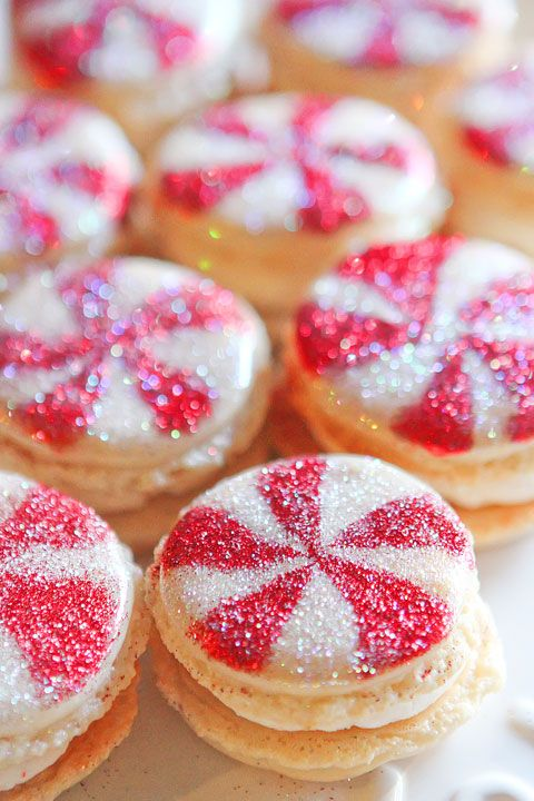 The most delightfully gorgeous, sparkly Vanilla Bean Macarons. #Christmas #macarons #peppermint